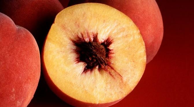 800px-Autumn_Red_peaches